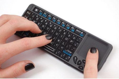 Есть специальные клавиатуры для ноутбуков.
